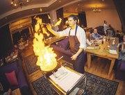 Консультант в сфере общественного питания с опытом работы шеф-поваром.